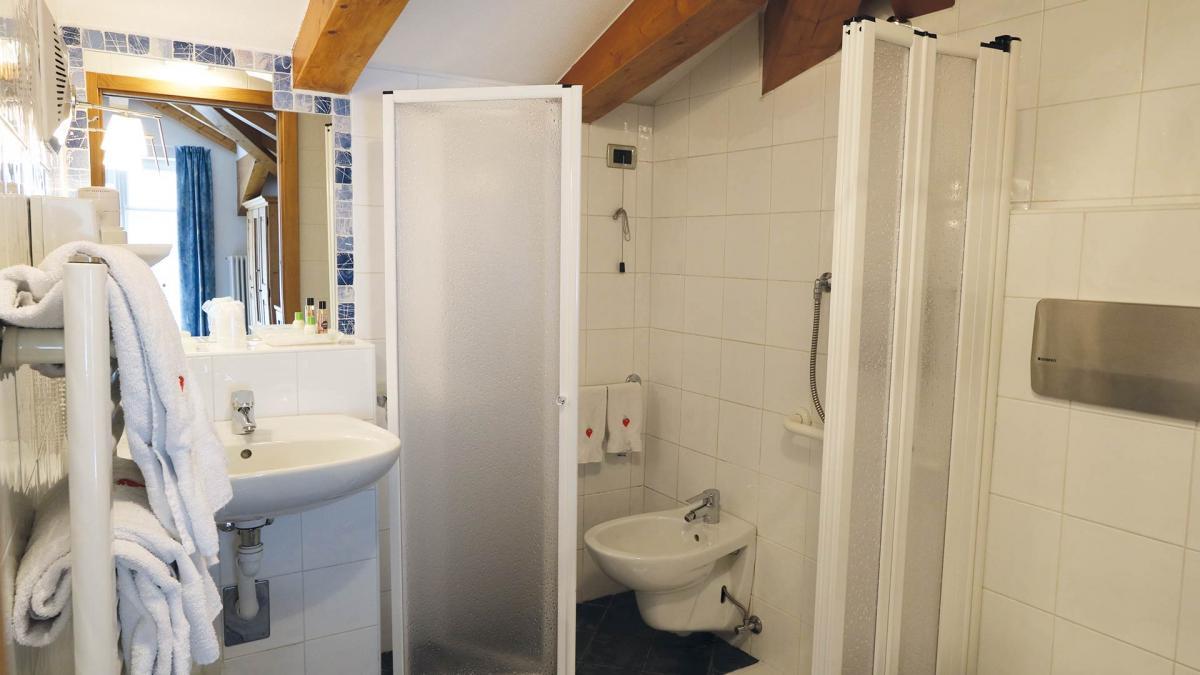 bagno uguale x tutte le stanze